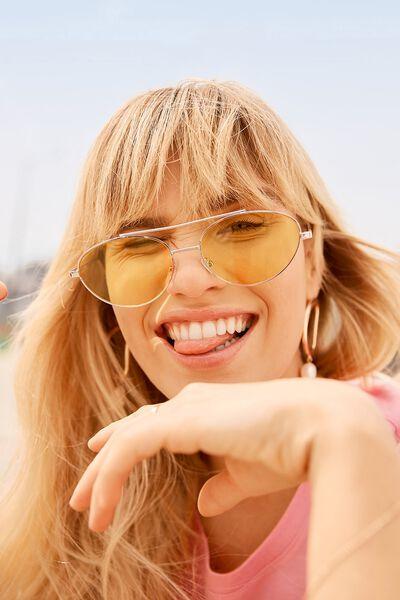 Hexy Top Bar Sunglasses, YELLOW/GOLD