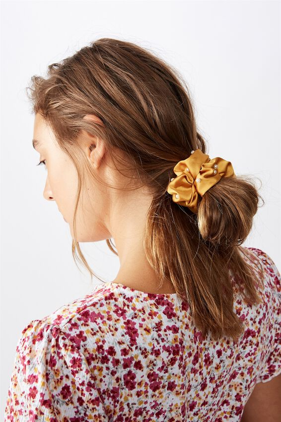 So Me Scrunchie, MUSTARD PEARL