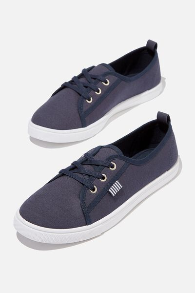 Amie Plimsoll, NAVY CANVAS