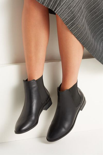 Tanner Gusset Boot, BLACK SMOOTH