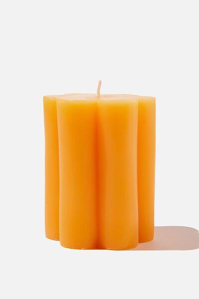 Lrg Shaped Candle, MANGO DAISY