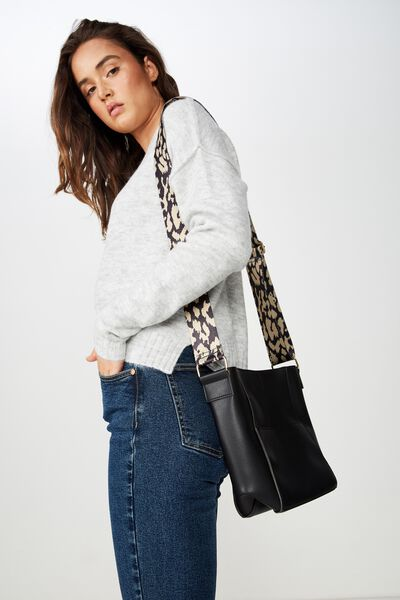 Evie Bucket Strap Bag, BLACK/LEOPARD