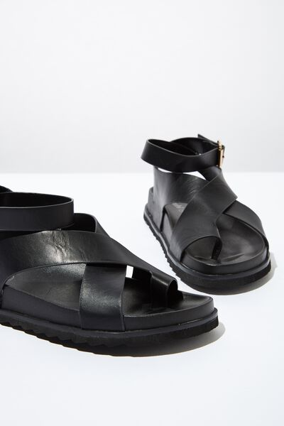 Ivy Toe Loop Chunky Sandal, BLACK PU