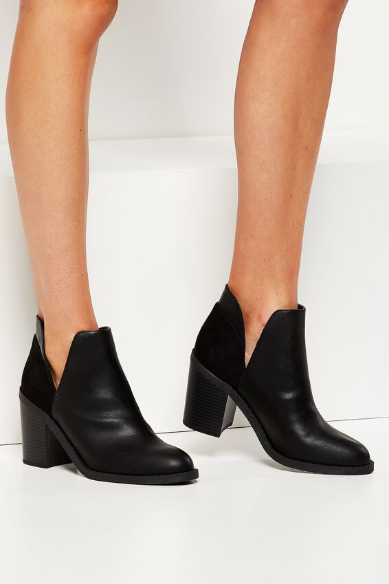 Rodeo Cut Out Boot, BLACK