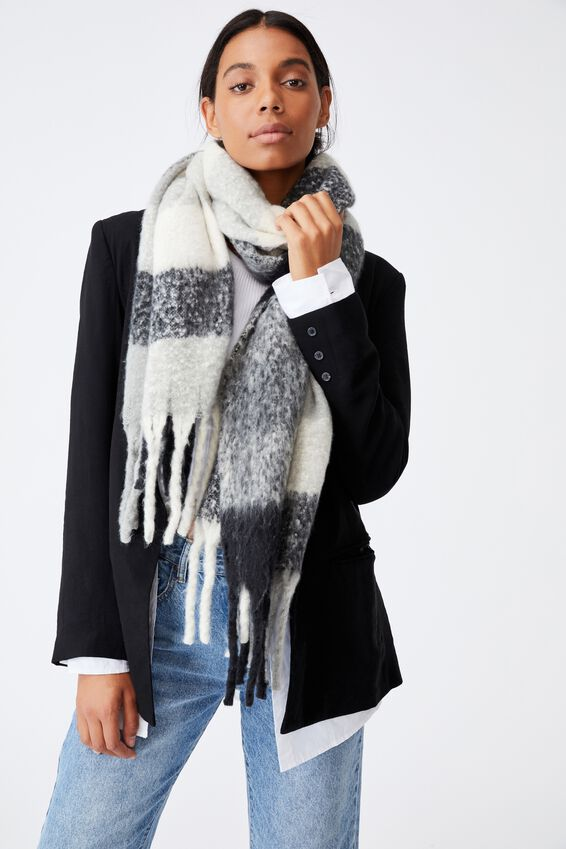 Phoebe Brushed Tassel Scarf, BLACK AND WHITE CHECK