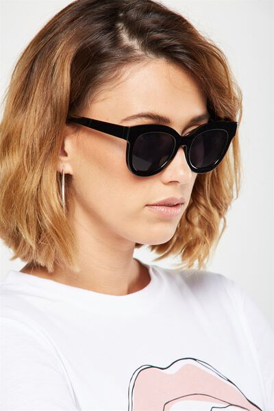 Celena D Frame Sunglasses, BLACK/SMOKE SILVER