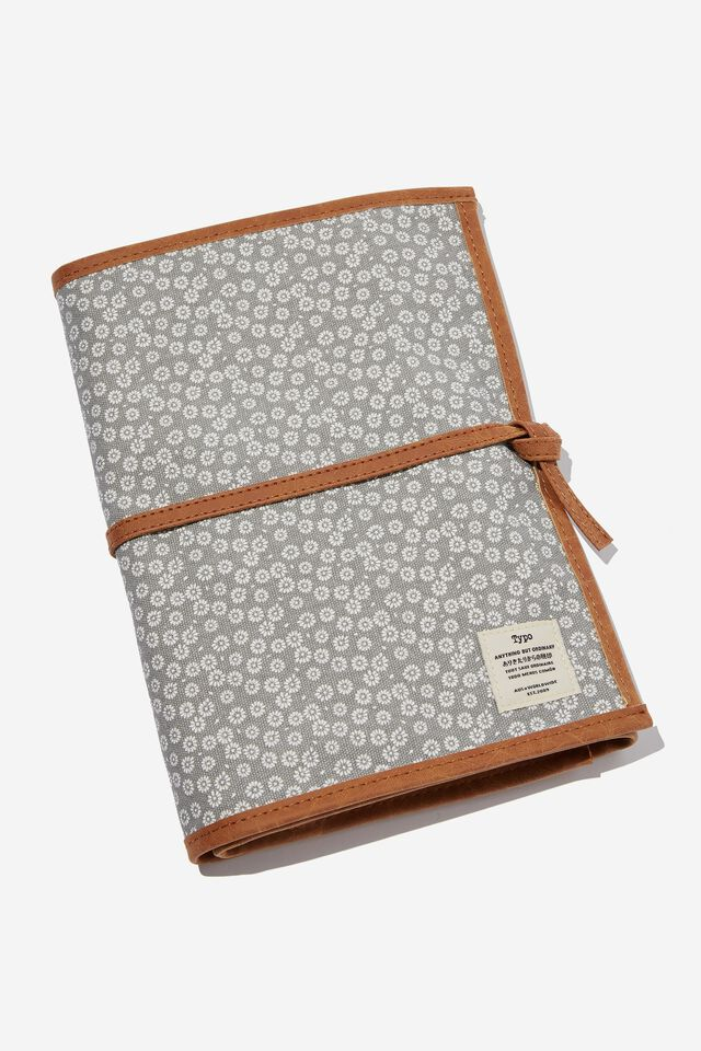 Artists  Marker Case 36, STAMPED DAISY GREYSCALE