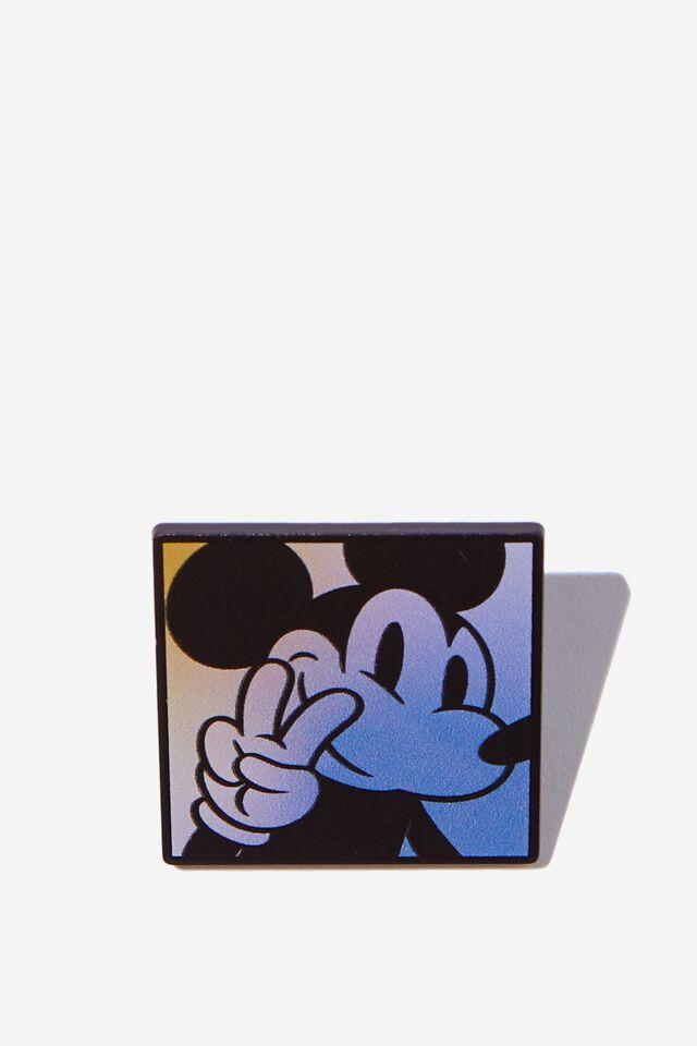 Disney Enamel Badge, LCN DIS MICKEY GRADIENT
