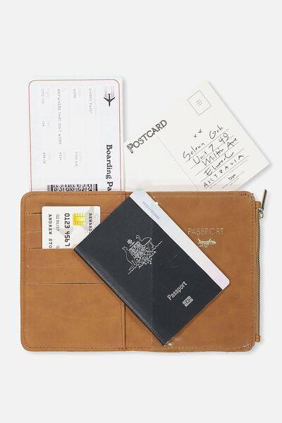 Classic Passport Holder, MID TAN
