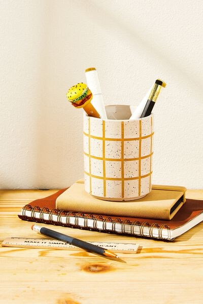Pen Holder, WHITE GRID