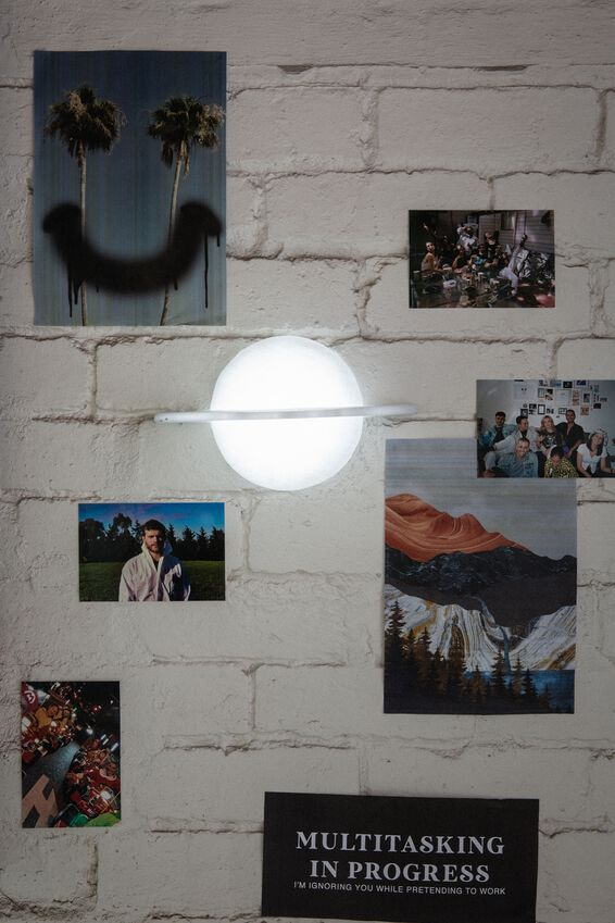 Wall Light, PLANET