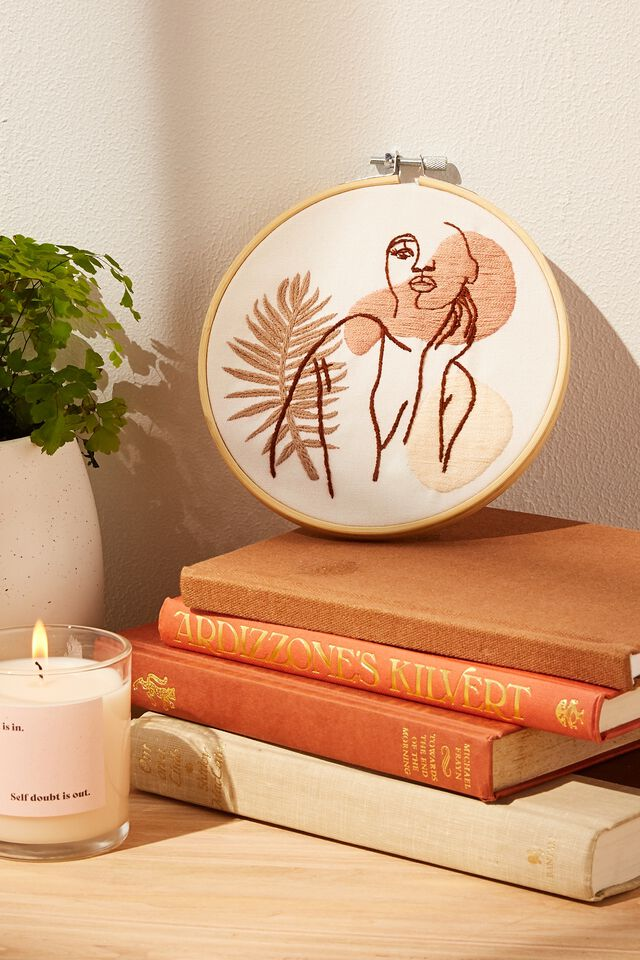 DIY Embroidery Kit, EMBROIDERY KIT - FEMME LINEART