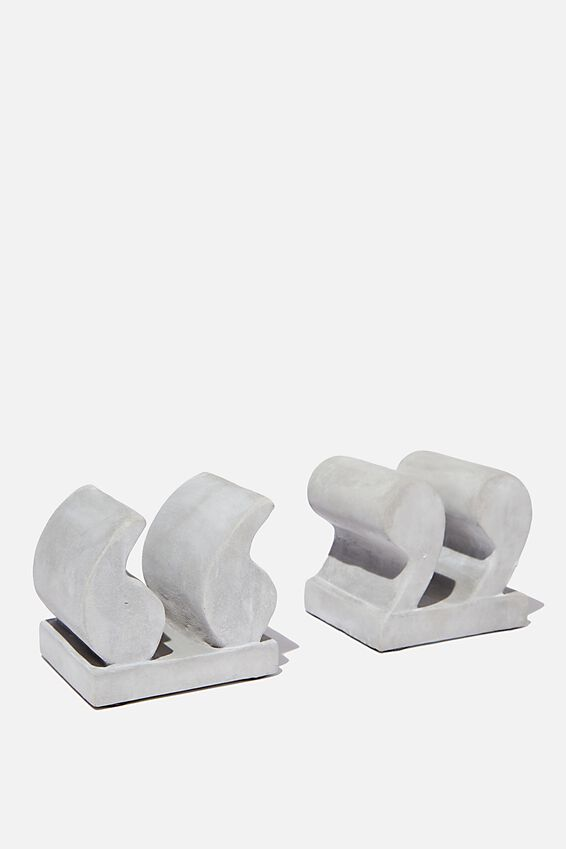 Cement Bookends, QUOTATION MARKS
