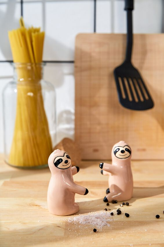 Novelty Shakers, SLOTHS