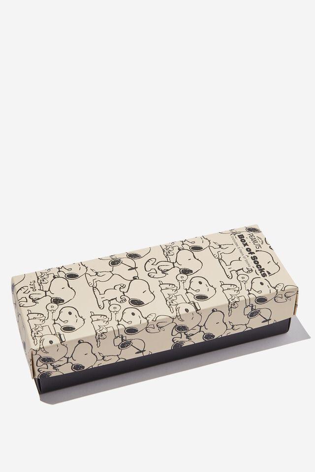 Peanuts Box of Socks, LCN PEA SNOOPY