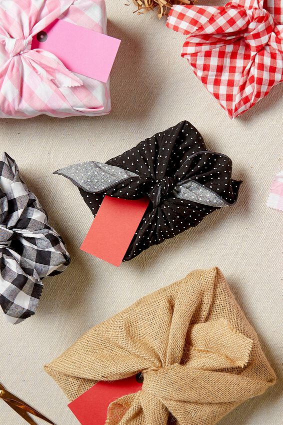 Fabric Wrapping Pack Medium 2Pk, BLACK POLKA DOT RESCUE