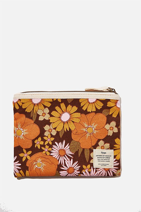 Daily Campus Case, STEVIE FLORAL