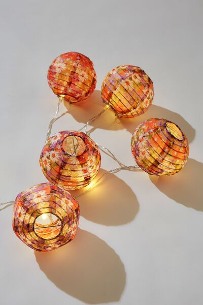 Battery Lucky Lanterns, DITSY 70S PASTEL FLORAL