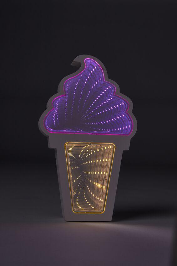 Infinity Light, ICE CREAM