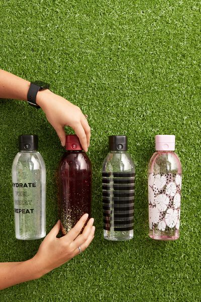 The Counter Drink Bottle, HYDRATE