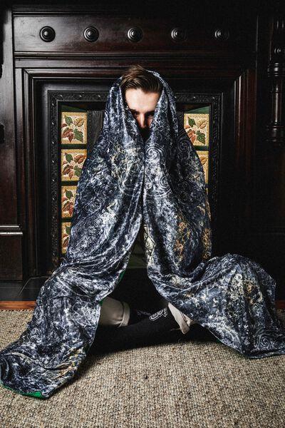 Invisibility Cloak, LCN HARRY POTTER