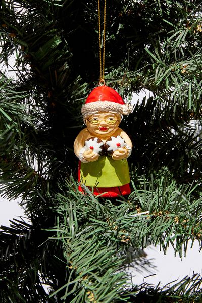 Christmas Ornament, MRS CLAUS WITH PUDDINGS