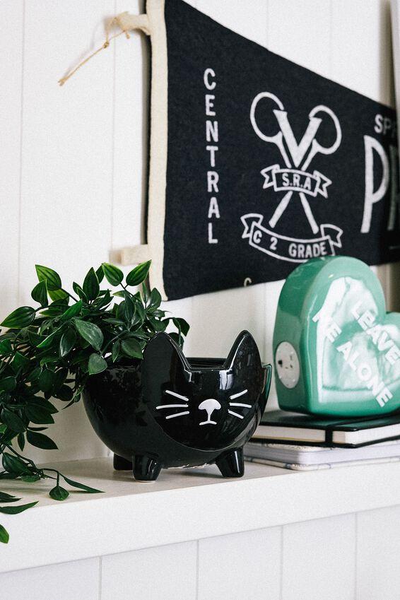 Small Shaped Planter, BLACK CAT 2.0