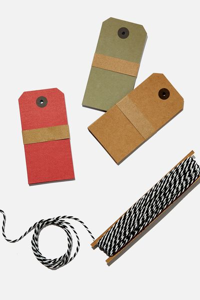 Tag And Twine Set, TRADITIONAL RED GREEN