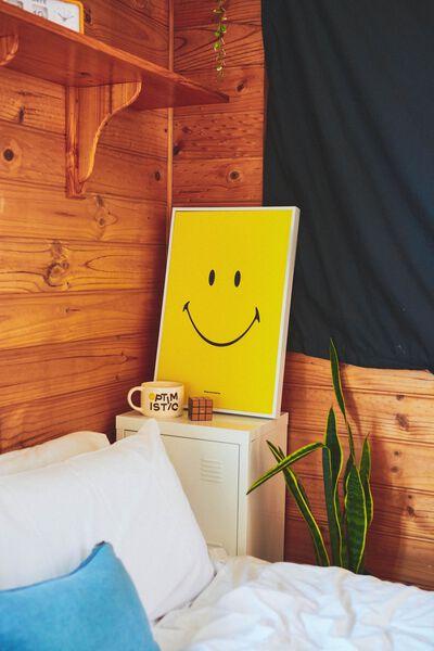 40 X 60 Canvas Art, LCN SMI SMILEY YELLOW FACE