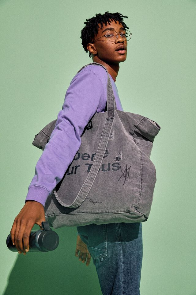 The Studio Tote Bag Patched Up, LIBERTE POUR TOUS WASHED BLACK