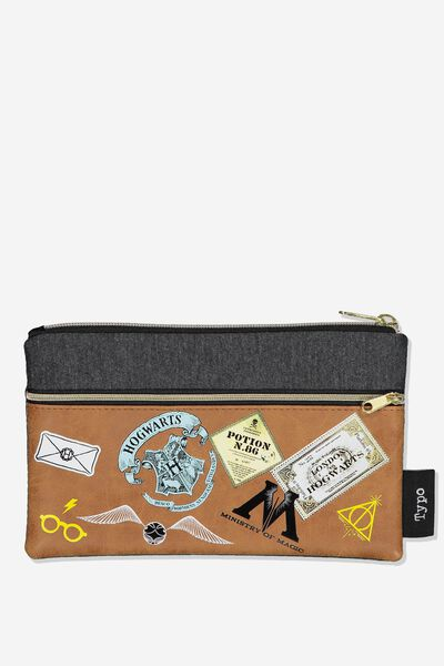 Archer Pencil Case, LCN WB HP BADGES