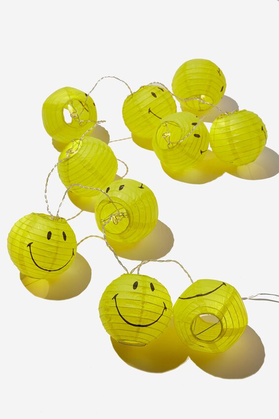 Smiley Usb Vibe String Lights, LCN SMI SMILEY YELLOW FACE