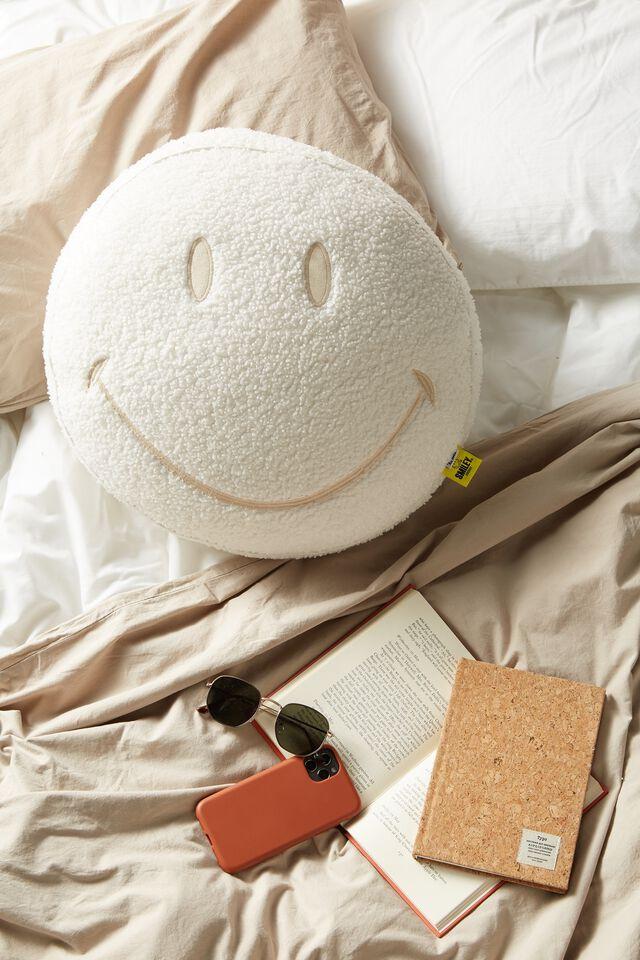 Boucle Get Cushy Cushion, LCN SMI SMILEY ECRU