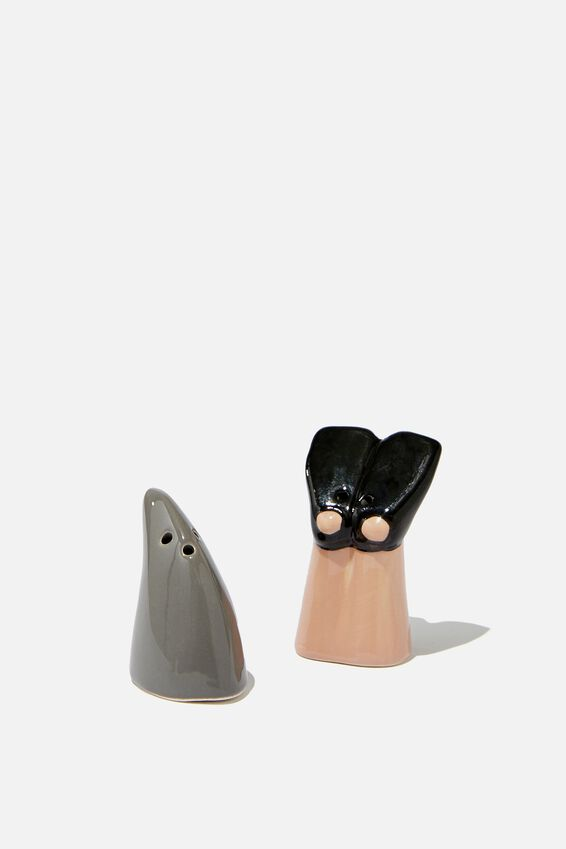 Salt & Pepper Shakers, FLIPPERS AND FIN
