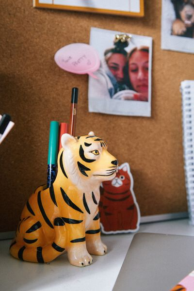 Pen Holder, TIGER