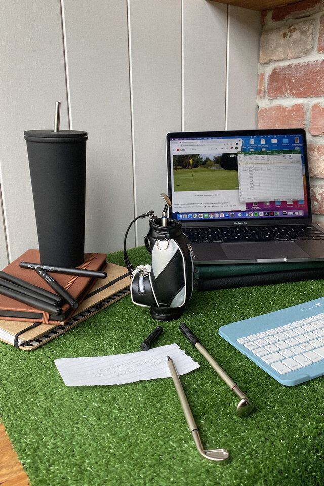 Desktop Pen Set, BLACK & WHITE