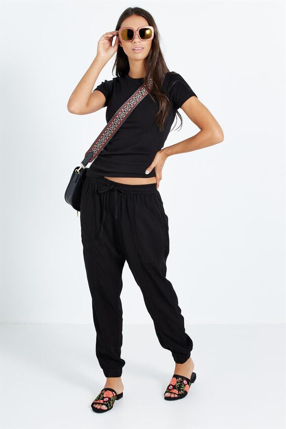 The One Fitted Crew, BLACK