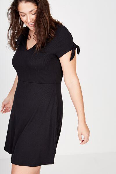 Curve Sadie Fit And Flare Short Sleeve Mini Dress, BLACK