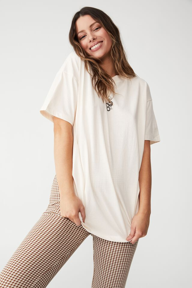 The Relaxed Boyfriend Graphic Tee, ANOTHER REALM/WHITE SAND