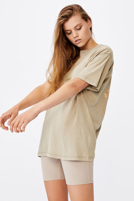 The Dad Graphic Tee, UNTAMED HEART/FLAX GREY