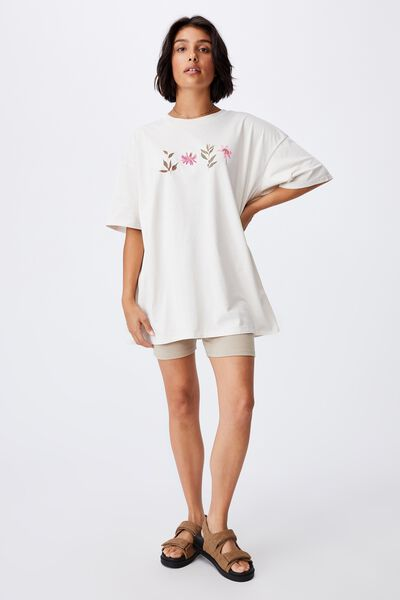 Oversized Graphic T Shirt Dress, LEAVES AND FLOWERS/WHITE SAND