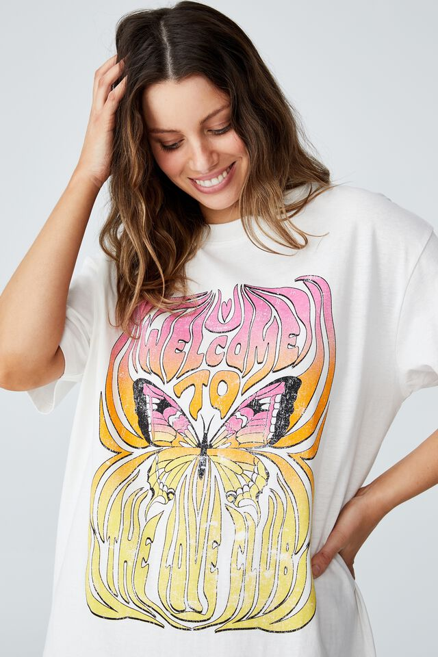 The Relaxed Boyfriend Graphic Tee, WELCOME TO THE CLUB/VINTAGE WHITE