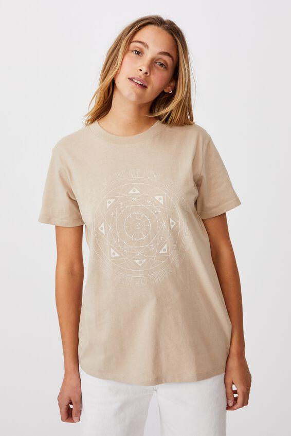 Classic Arts T Shirt, TRUST THE MAGIC/LATTE