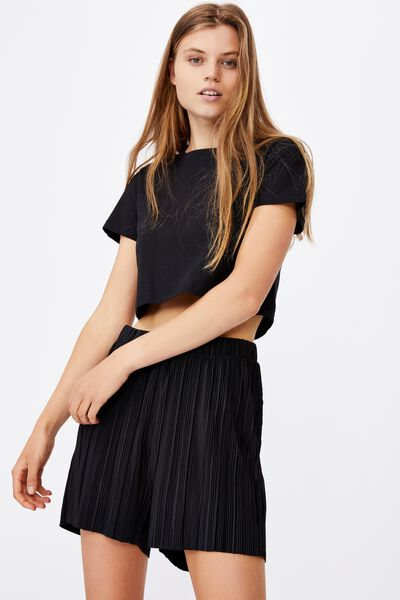 Pleated Skater Short, BLACK