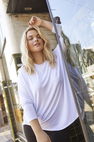 Curve Batwing Sleeve Tee, WHITE