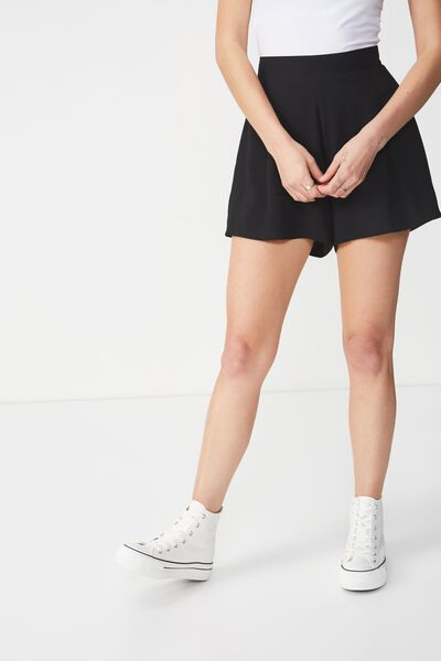 Maya Flirty Short, BLACK