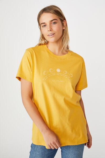 Classic Arts T Shirt, TRUST THE UNIVERSE/HONEY GOLD