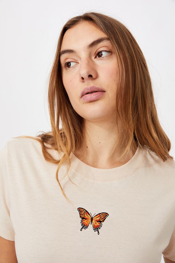 Classic Arts T Shirt, BUTTERFLY EMBROIDERY/BARLEY