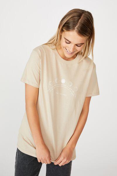 Classic Arts T Shirt, TRUST THE UNIVERSE/LATTE