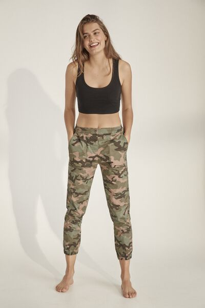 8060e1a0d Cuffed Chino, GEORGIA CAMO AGAVE GREEN. Cotton On Women